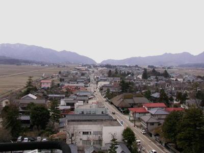 役場上空からの旧米沢街道の眺め