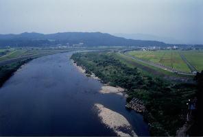 丸山大橋から眺めた関川盆地