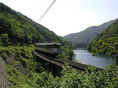 岩船発電所と米坂線